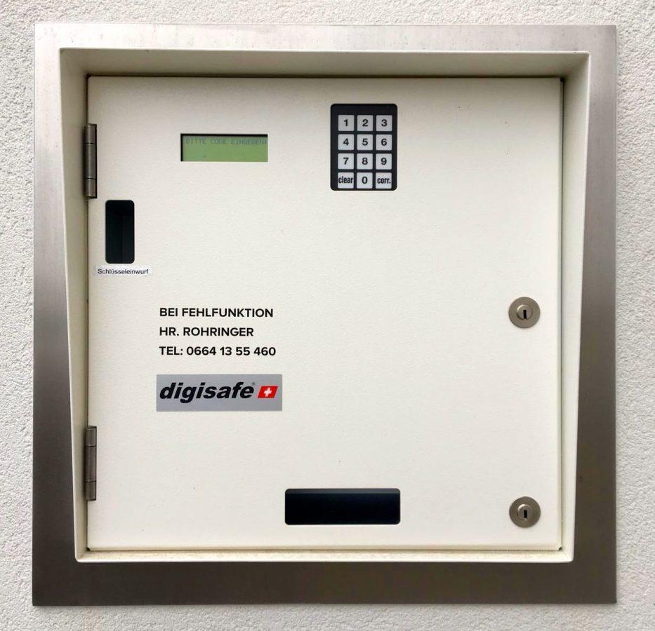 Unser Schlüssel-Safe ermöglicht die 24h Annahme Ihres Autos.